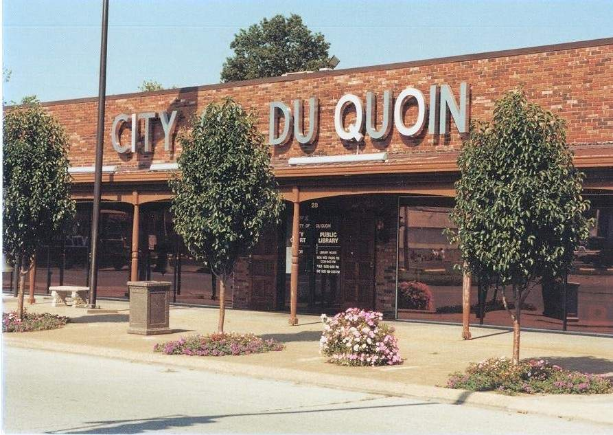 A reception is being planned on April 10 for the Du Quoin Public Library's photo gallery.