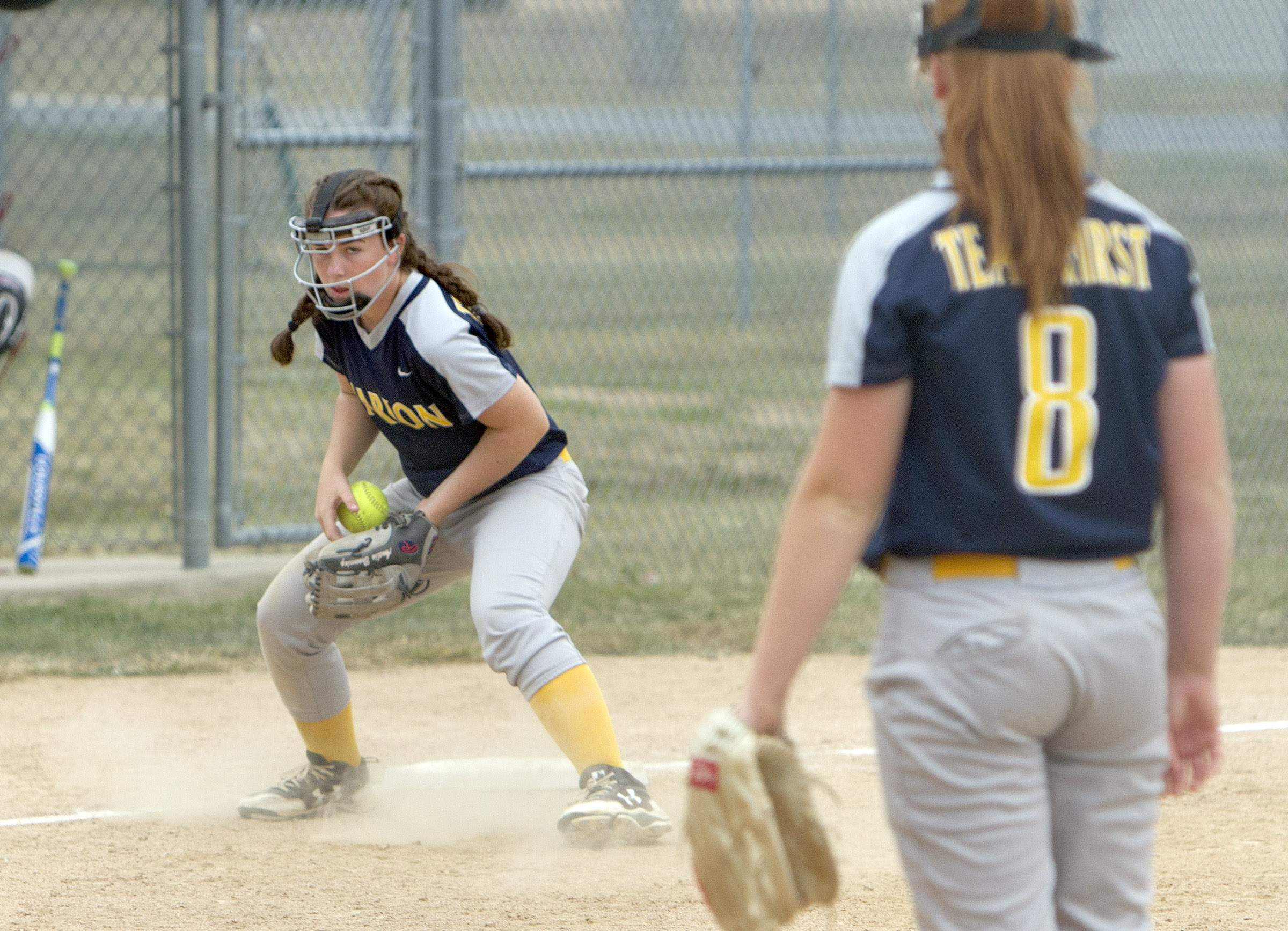 Amelia Browning fields a grounder.