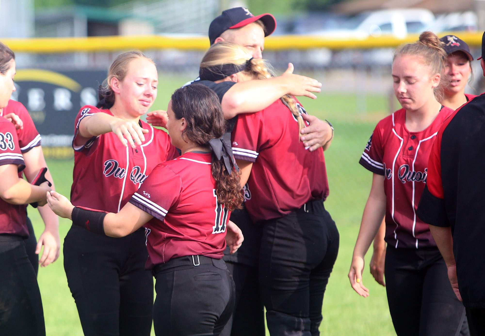 Du Quoin's seniors react after Monday's loss.