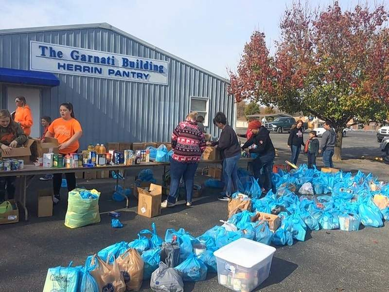 Herrin Pack and Troop 7018 delivered the nonperishable foods they collected to the Garnati Building, also known as the Herrin Community Pantry.