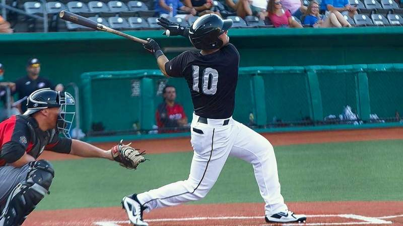 Kyle Davis delivered an RBI triple Sunday against the Gateway Grizzlies, which proved to be the game-winning hit.