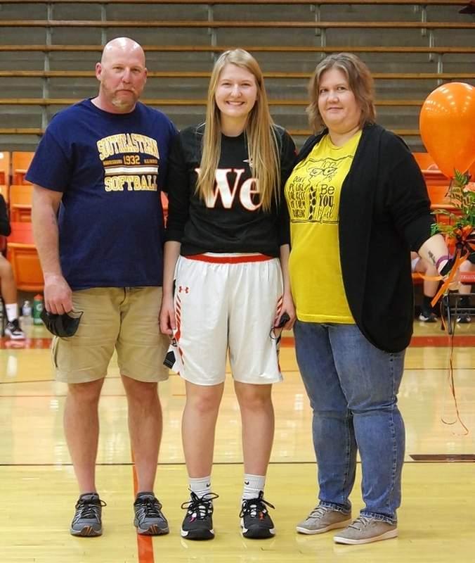 Katie Shinabargar, and parents Paul and Amanda Shinabargar.