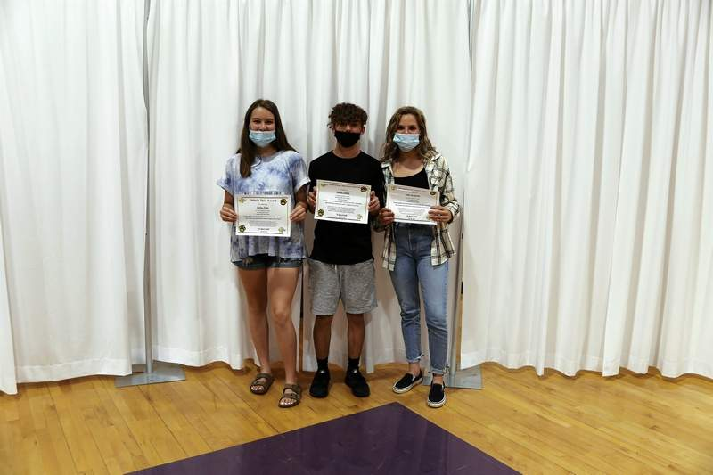 Kaylee Horn, Robbie Hadley, and Abbi Musgraves Sophomore Students of the Year Award winners.