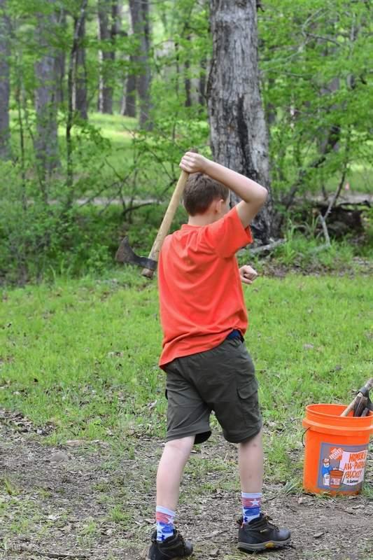Peyton Daymon throws a tomahawk.